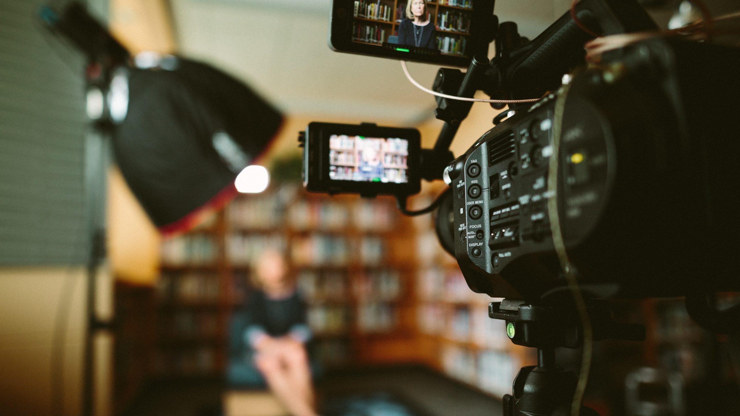 Interview: 'Bij digitale gesprekken mis je de subtiele signalen'